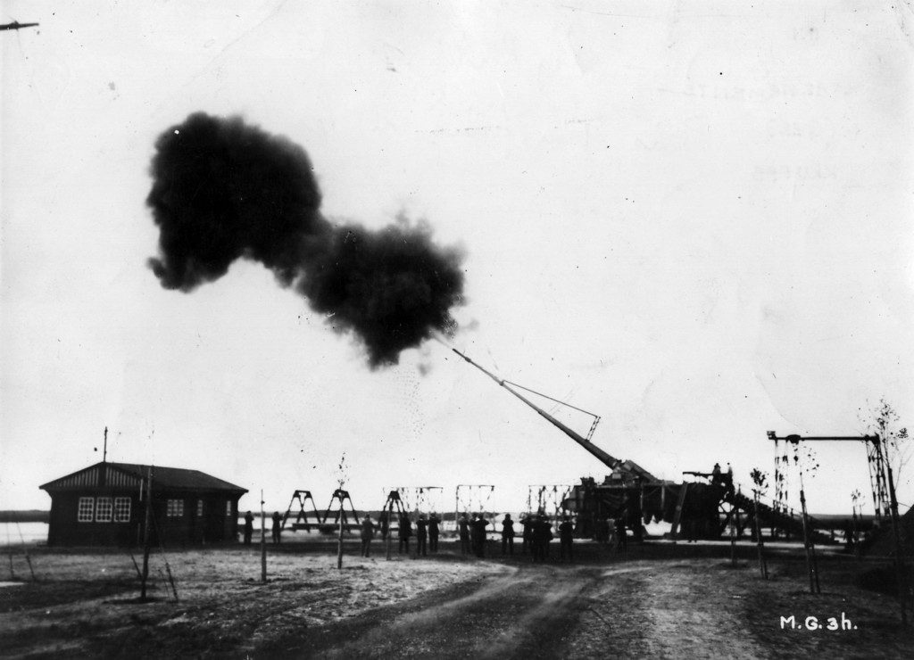 . Big Bertha, the Howitzer L/14, manufactured by the German industrialist Gustav Krupp. With a range of 122km, it bombarded Paris for 20 months during 1917.   (Photo by Hulton Archive/Getty Images)