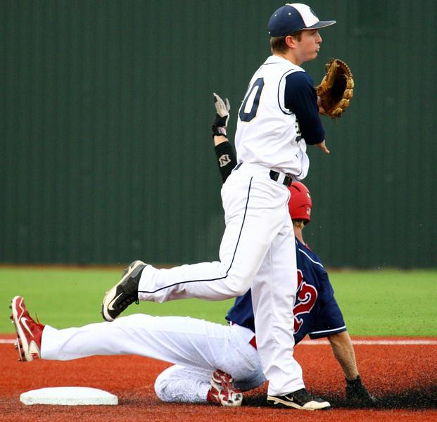 \\hcadmin\d$\Faculty\Home\slyons\HC Photo Folders\HC Baseball_State Playoffs_2012\20120513_224.JPG
