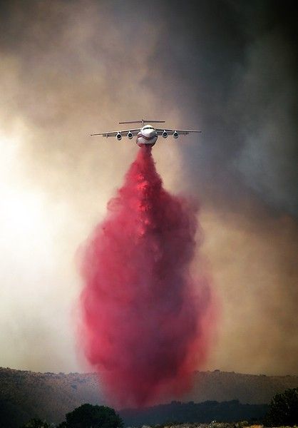 Avro RJ85 airtanker actioning the Pilot wildfire in California - photo by Jeff Zimmerman.jpg