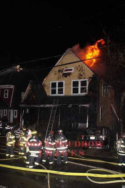 Winthrop, MA - 2nd Alarm, 32 Prospect Ave, 10-25-11