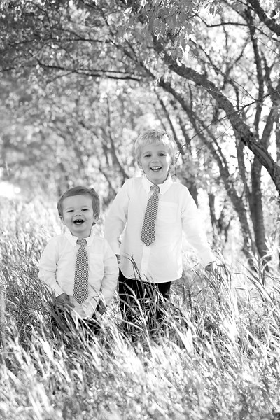 16bw Jacob+Wyatt | Nicole Marie Photography.jpg