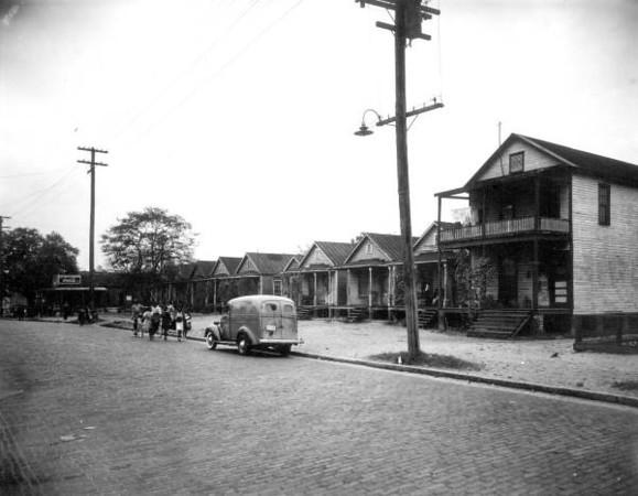 Davis Street homes2 - 1941.jpg