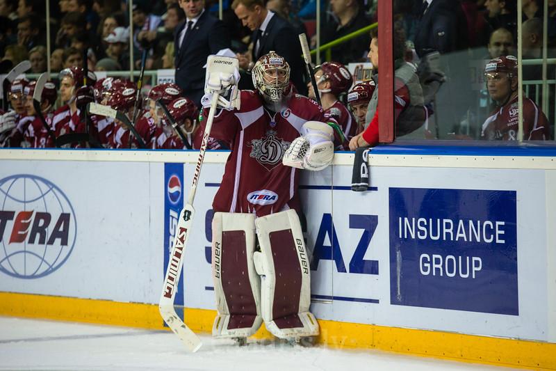 Dinamo Riga vārtusargs Mikael Tellqvist (32)