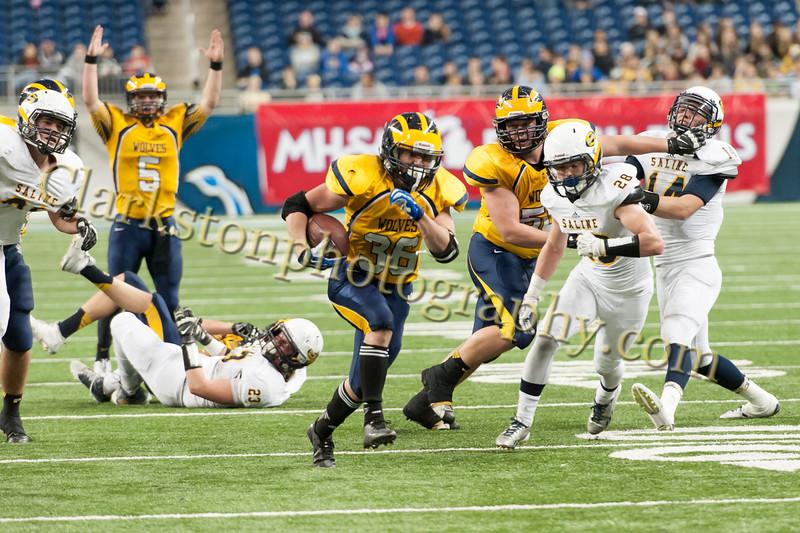 2014 Clarkston Varsity Football vs. Saline 649.jpg