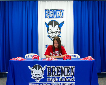 2014 Signing - Laura Sewell w/JSU -Right Click and Save!