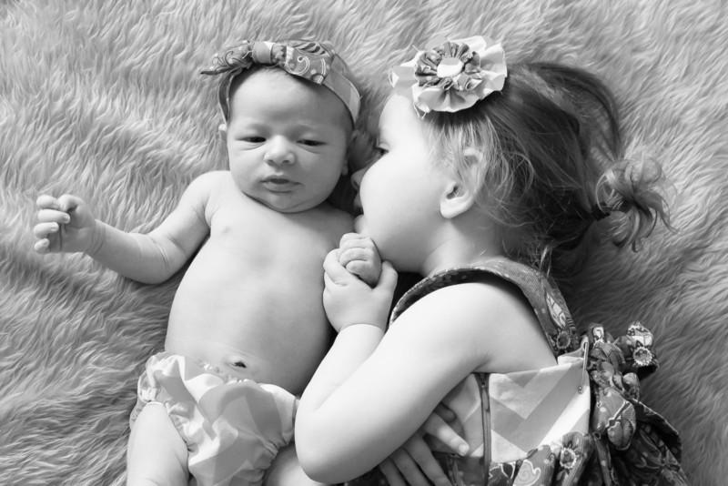 2014.03.30 Whitney Kronforst Newborn Photos B-W 46.jpg