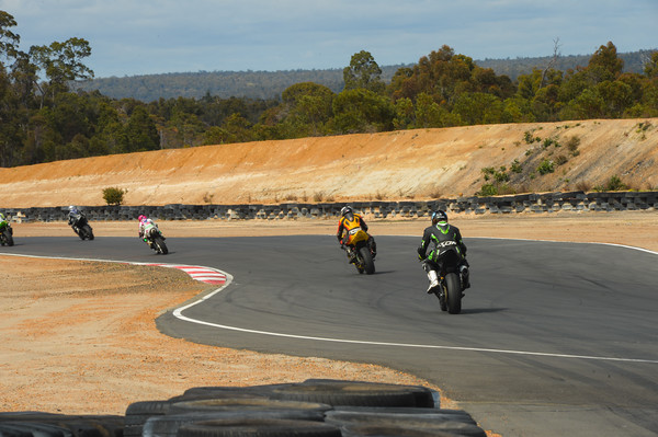 Round 4 Supersport