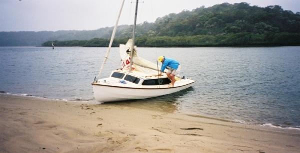 'Antipodes' a Hartley 16' Trailer Sailer