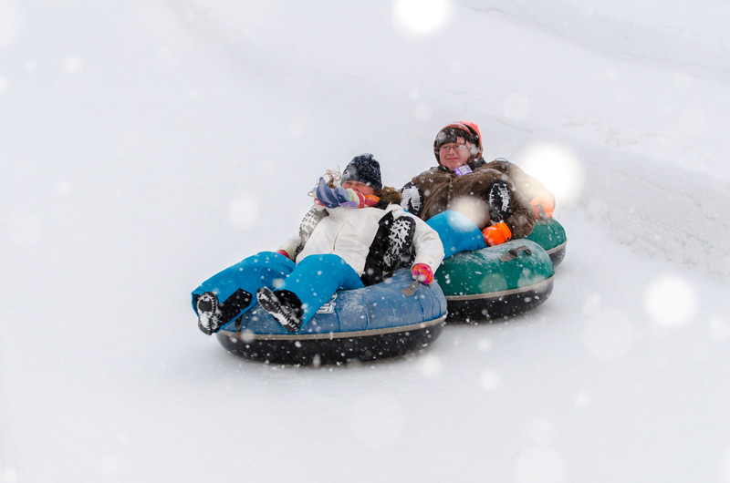 Opening-Day-Tubing-2014_Snow-Trails-71078.jpg