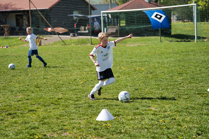 hsv-fussballschule---wochendendcamp-hannm-am-22-und-23042019-y-21_46814458065_o.jpg