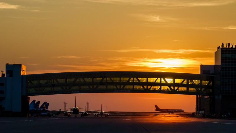 092420-airfield_cargo_ups_frontier-022.jpg