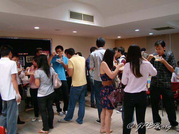 2011-08-WelcomingFreshies