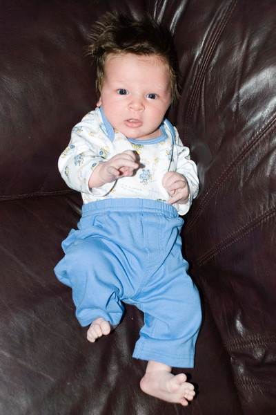 Dominic at 3 weeks... Long toes!