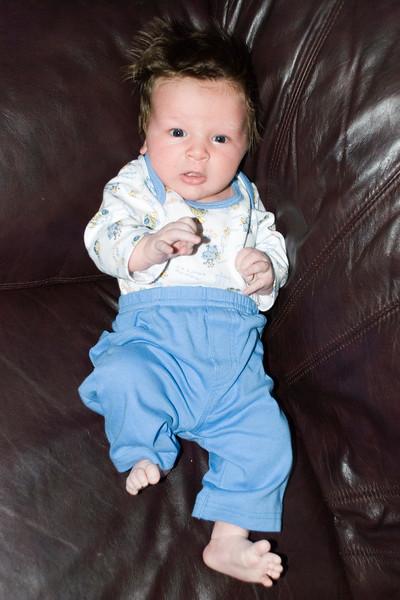 Dominic at 3 weeks... Long toes!