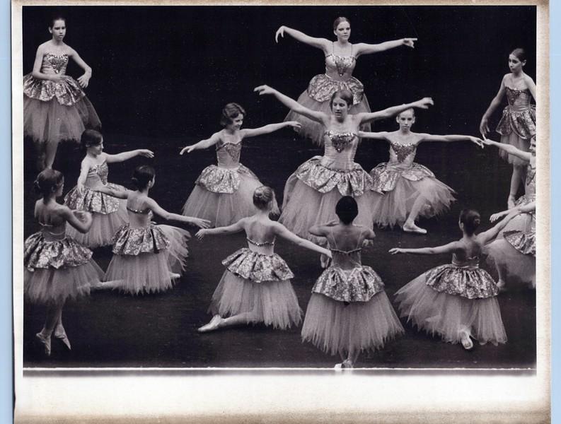 Dance_2139_a.jpg