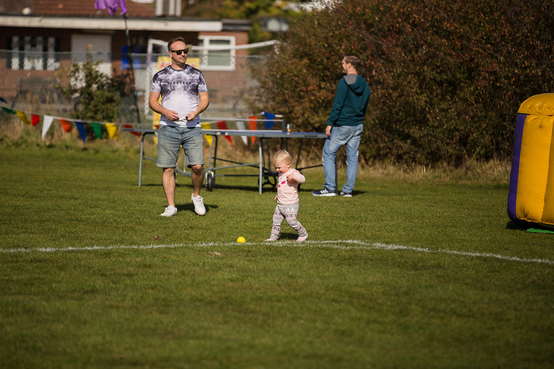 bensavellphotography_lloyds_clinical_homecare_family_fun_day_event_photography (98 of 405).jpg