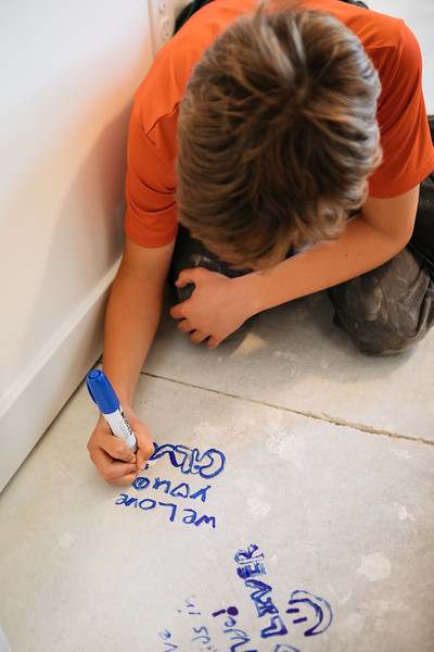 floor_signing_stjude-23.jpg