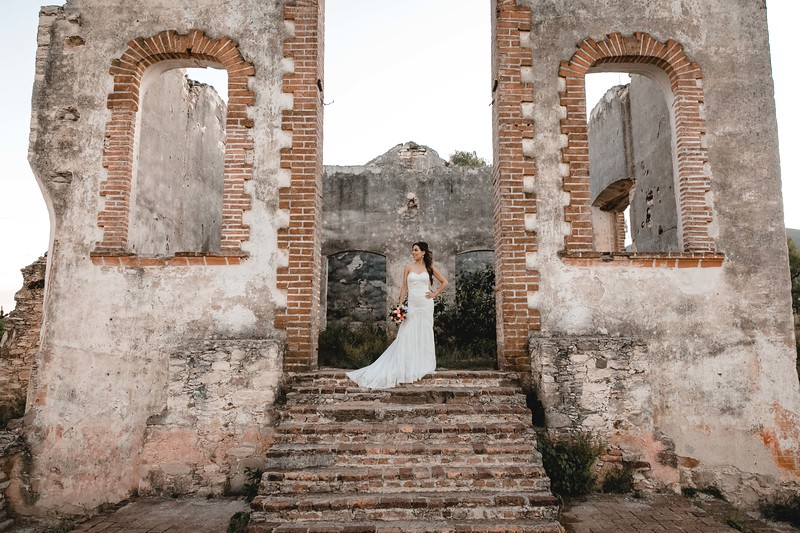 P&H Trash the Dress (Mineral de Pozos, Guanajuato )-113.jpg