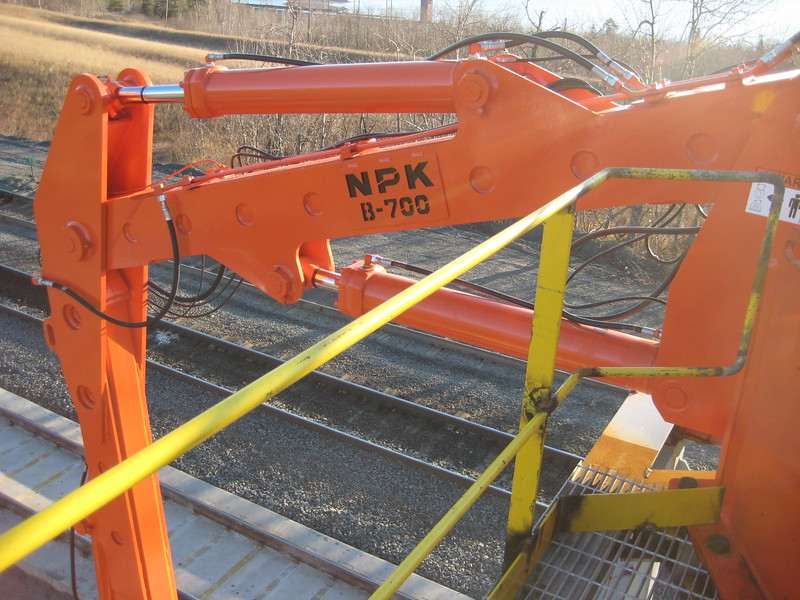 NPK B700 railcar unloader (sn 1N8416) (22).jpg