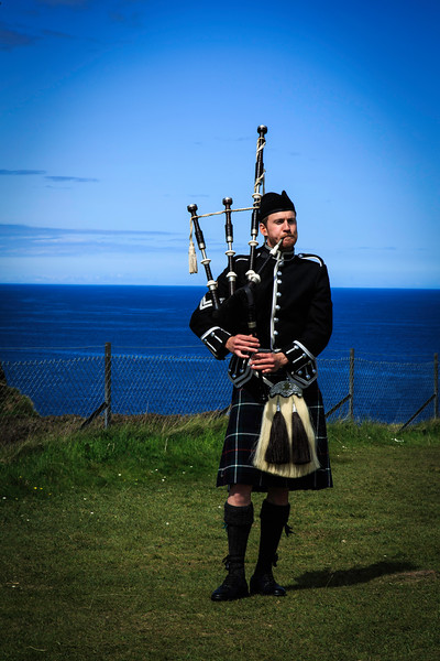 Bagpiper, Isle of Skye