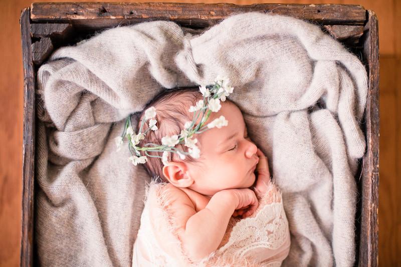 15-Newborn_photography_Durham-Yarissa_003_40.jpg