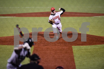 robert-e-lee-baseball-splits-on-opening-day-of-rose-city-classic