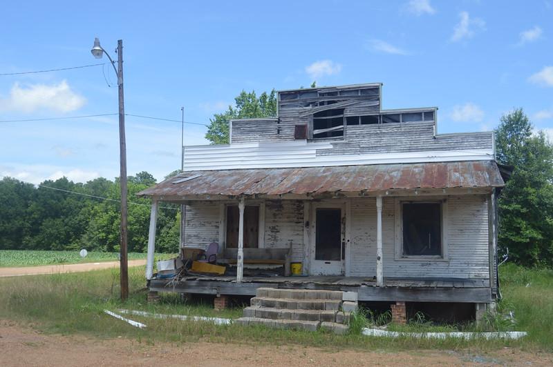 042 Abandoned store, Savage.JPG