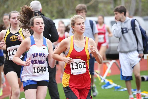 2013-04-20 Girls 1600m at Bellevue Invitational