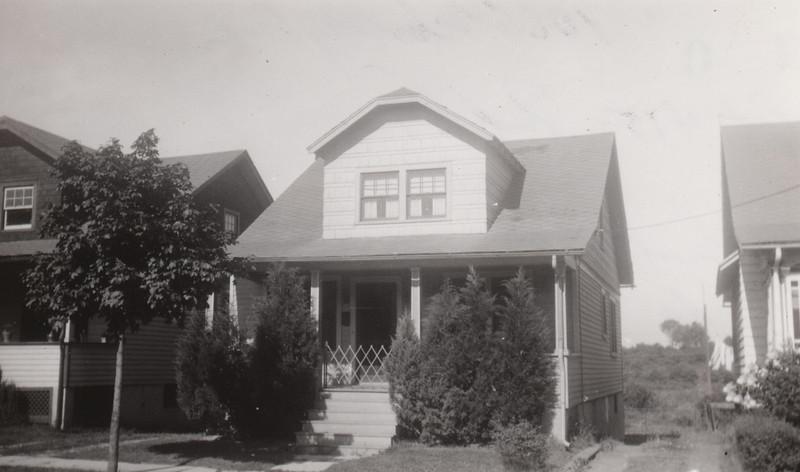 1066 WOOLEY 1930.jpg