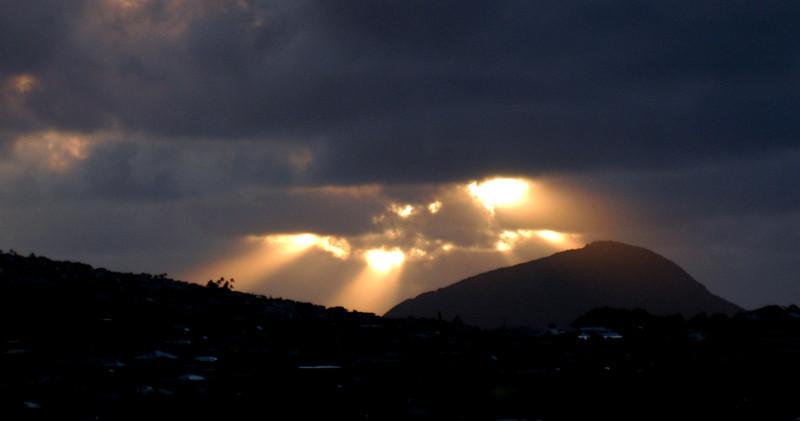 20080406- Hawaii 10- Nikon Sunrise and Room pics DSC_2255.jpg