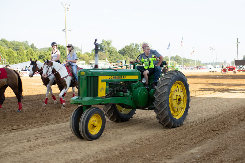 Antique Tractor Parade-103.jpg