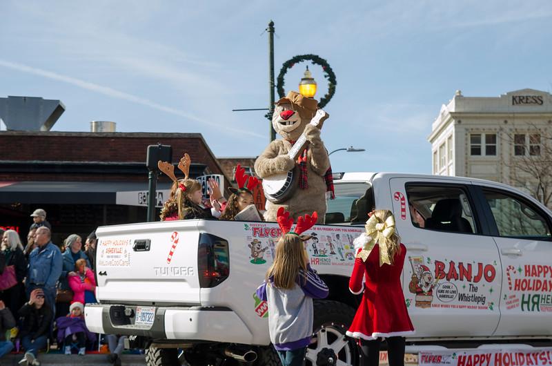 2014 Holiday Parade_31-2.jpg