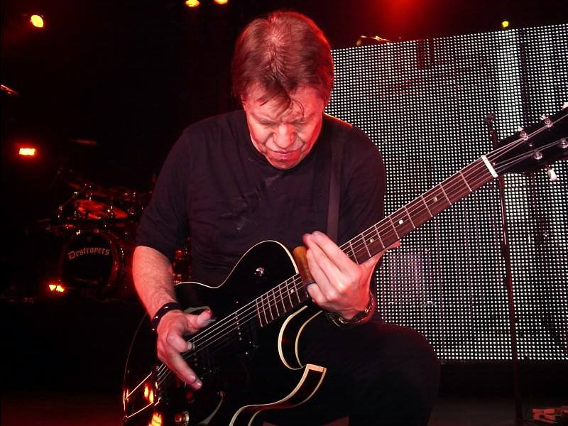 . George Thorogood & The Destroyers - June 5
