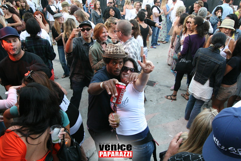 2.  Party at Stronghold 1625 Abbot Kinney Blvd. Venice, CA 90291. Phone (341).JPG