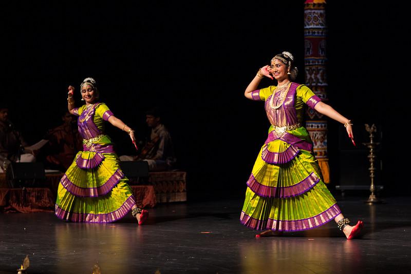 PriyaShreyaDance-0319.jpg
