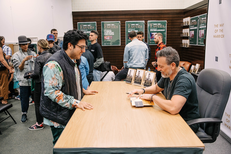 2019_2_28_TWOTW_BookSigning_SP_200.jpg