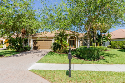 375 Cypress Way West, Naples, Fl.