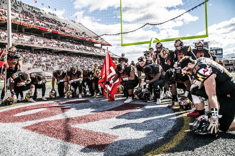 Maryland players pay their respects to #79 Jordan McNair
