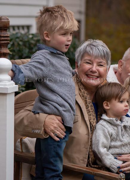 2019 November Ellis Family-280-120.jpg