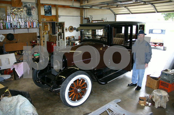 Antique Cars - March 2005
