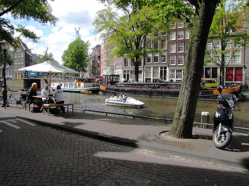 43-Prinsengracht at Bloemgracht (Flower ditch).