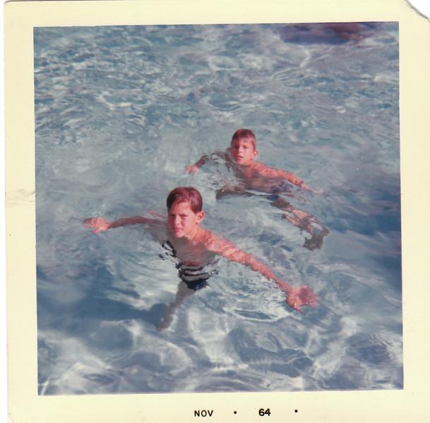 Tony & Unknown In Pool 1964.jpg