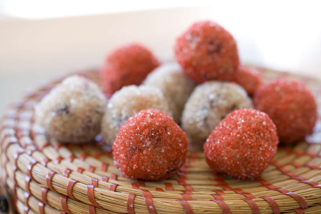 ". <a href=""https://www.yahoo.com/news/fruity-inspirations-cranberry-coconut-bites-164412648.html?ref=gs\"">Get the recipe for no bake cranberry coconut bites</a>. (AP Photo/Matthew Mead)"