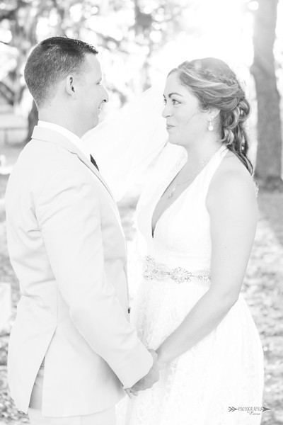 Vino-And-Vows-Barrington-Hill-Weddings-Dade-City-Tampa-Area-Photographer-Winery-Wedding-Rustic-Wedding-Central-Florida-Photography-By-Laina-8.jpg