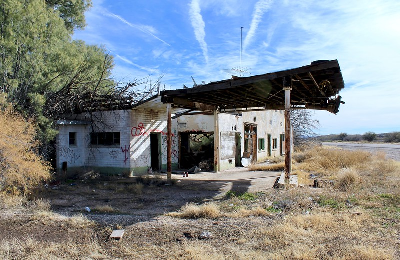 Abandoned store, cafe, service station, and motel along Highway 70 (2019)