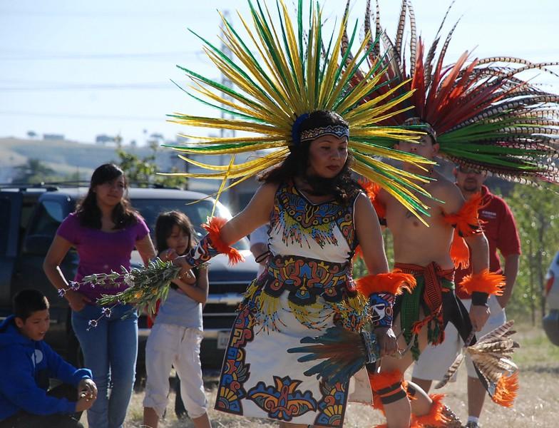 EarthDayLatino_AztecCeremony_2011--04-15_10.JPG