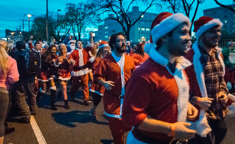 Running with Santa Philadelphia 12-12-2015-3369.jpg