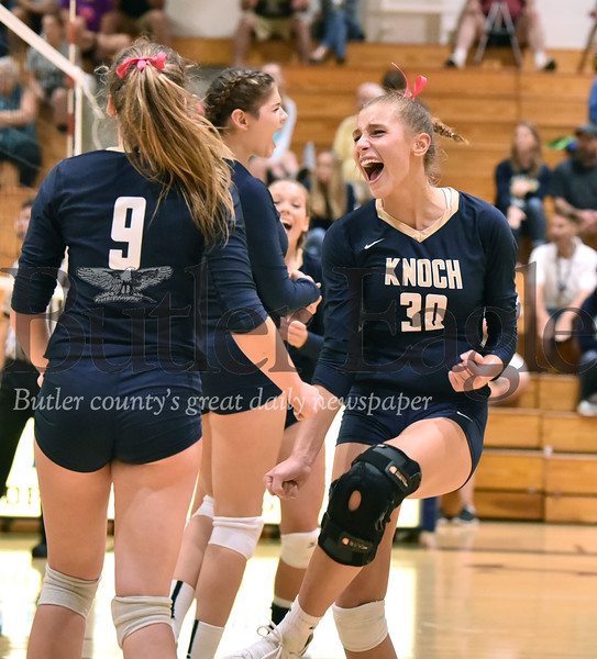 Knoch vs Freeport girls volleyball at Knoch high School