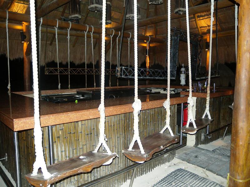 Hotel -7 Barracuda Bar