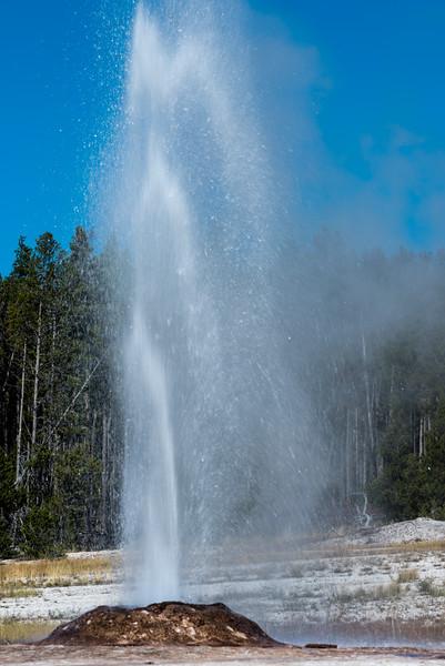 firehole-lake-drive-1.jpg